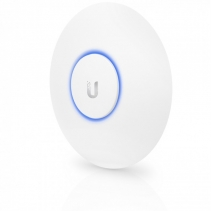 Accesspoint van Ubiquiti, de De UniFi AC LR Access Point