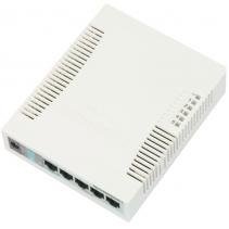 5 poorts netwerk switch van Mikrotik, de RB260GS Gigabit LAN poorten en SFP poort